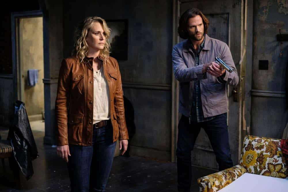 "Supernatural -- ""Gods and Monsters"" -- Image Number: SN1402B_0081Ab.jpg -- Pictured (L-R): Samantha Smith as Mary Winchester and Jared Padalecki as Sam -- Photo: Robert Falconer/The CW -- © 2018 The CW Network, LLC All Rights Reserved"