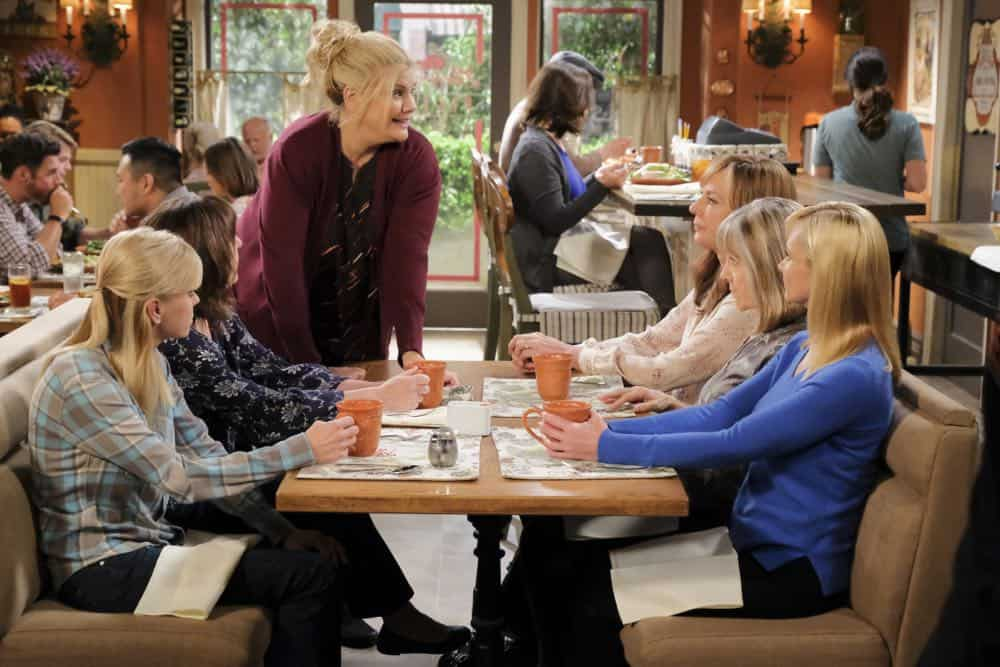 """Big Sauce and Coconut Water"" -- Christy is certain that Bonnie is in over her head when she invites a freshly-paroled Tammy (Kristen Johnston) to stay with them, on MOM, Thursday, date (9:01-9:30 PM, ET/PT) on the CBS Television Network. Pictured L to R: Anna Faris as Chrtisty, Beth hall as Wendy, Kristen Johnston as Tammy, Allison Janney as Bonnie, Mimi Kennedy as Marjorie, and Jaime Pressly as Jill. Photo: Darren Michaels/Warner Bros. Entertainment Inc. © 2018 WBEI. All rights reserved."