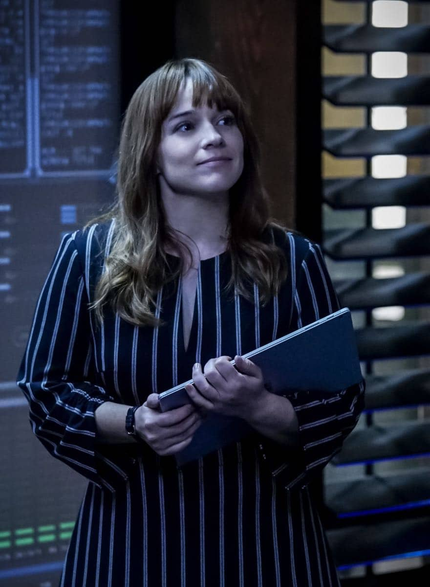 """Hit List"" -- Pictured: Renée Felice Smith (Intelligence Analyst Nell Jones). The NCIS team is in danger after their pictures, as well as Mosley and her son's names, are included on a cartel hit list. Also, NCIS Deputy Director Louis Ochoa (Esai Morales) arrives with Special Prosecutor John Rogers (Peter Jacobson) to interview Mosley about the off-the-books mission in Mexico, on NCIS: LOS ANGELES, Sunday, Oct. 21 (9:30-10:30 PM, ET/9:00-10:00 PM, PT) on the CBS Television Network. Gerald McRaney guest stars as Retired Navy Admiral Hollace Kilbride. Photo: Monty Brinton/CBS ©2018 CBS Broadcasting, Inc. All Rights Reserved."
