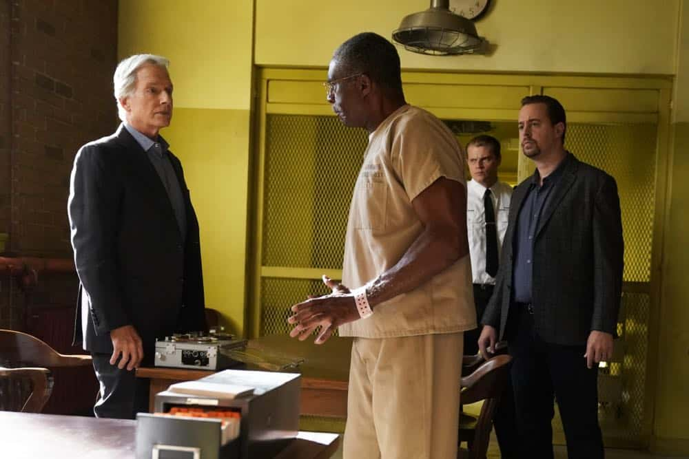 """""Fragments"" After a 50-year-old tape recording left by a murder victim is found, the NCIS team tries to exonerate Ray Jennings (Charlie Robinson), the Marine serving a life sentence for the crime, on NCIS, Tuesday, Oct. 23 (8:00-9:00 PM, ET/PT) on the CBS Television Network. Pictured: Mark Harmon, Charlie Robinson, Sean Murray. Photo: Cliff Lipson/CBS ©2018 CBS Broadcasting, Inc. All Rights Reserved"