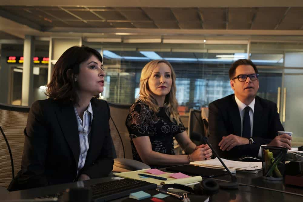 """The Missing Piece"" - Bull joins the defense team of a seemingly unwinnable case when a man he believes is innocent, is put on trial for murder after his submission to a DNA database links him to a homicide. Also, while Bull and Benny work toward selecting jurors who are predisposed to trust their gut instinct rather than incontrovertible evidence, Danny and Mackenzie research whether their client's DNA could have been contaminated, on BULL, Monday, Oct. 22 (10:00-11:00 PM, ET/PT) on the CBS Television Network. Pictured L-R: MacKenzie Meehan as Taylor Rentzel, Geneva Carr as Marissa Morgan, and Michael Weatherly as Dr. Jason Bull Photo: Jojo Whilden/CBS ©2018 CBS Broadcasting, Inc. All Rights Reserved"