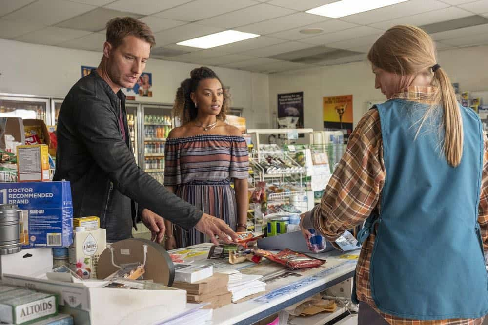 "THIS IS US -- ""Toby"" Episode 305 -- Pictured: (l-r) Justin Hartley as Kevin Pearson, Melanie Liburd as Zoe -- (Photo by: Ron Batzdorff/NBC)"