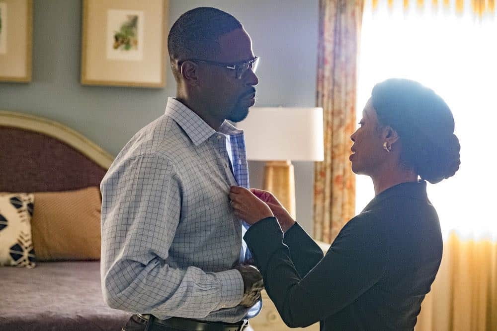 "THIS IS US -- ""Toby"" Episode 305 -- Pictured: (l-r) Sterling K. Brown as Randall Pearson, Susan Kelechi Watson, as Beth Pearson -- (Photo by: Ron Batzdorff/NBC)"