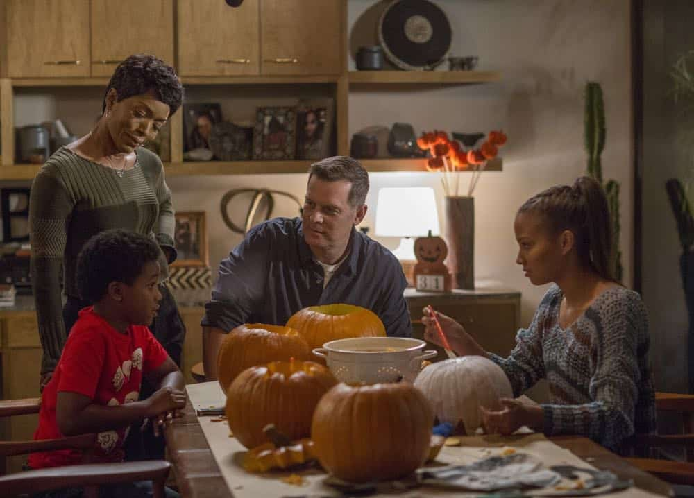 "9-1-1: L-R: Marcanthonee Jon Reis, Angela Bassett, Peter Krause and Corinne Massiah in the ""Haunted"" episode of 9-1-1 airing Monday, Oct. 29 (9:00-10:00 PM ET/PT) on FOX. © 2018 FOX Broadcasting. CR: Jack Zeman / FOX."