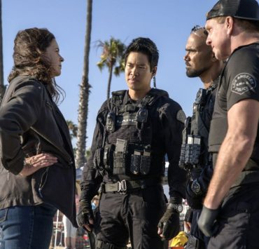 "Fire in the Sky The SWAT team works with Lieutenant Detective Piper Lynch (Amy Farrington), a senior LAPD Hollywood Division officer, when the Mayor assigns her to oversee city departments joining forces to stop a serial bomber utilizing drones as detonation devices. Meanwhile, just as Hondo settles into legal guardianship of his teen charge Darryl (Deshae Frost), his home life becomes more complicated when his estranged father (Obba Babatund) asks to move in, on the third season premiere of, S.W.A.T., Wednesday, October 2 (10:00-11:00 PM, ET/PT) on the CBS Television Network. Pictured L to R: Amy Farrington as Lieutenant Detective Piper Lynch, David Lim as Victor Tan, Shemar Moore as Daniel ""Hondo"" Harrelson, and Kenny Johnson as Dominique Luca. Photo: Sonja Flemming/CBS 2019 CBS Broadcasting, Inc. All Rights Reserved"
