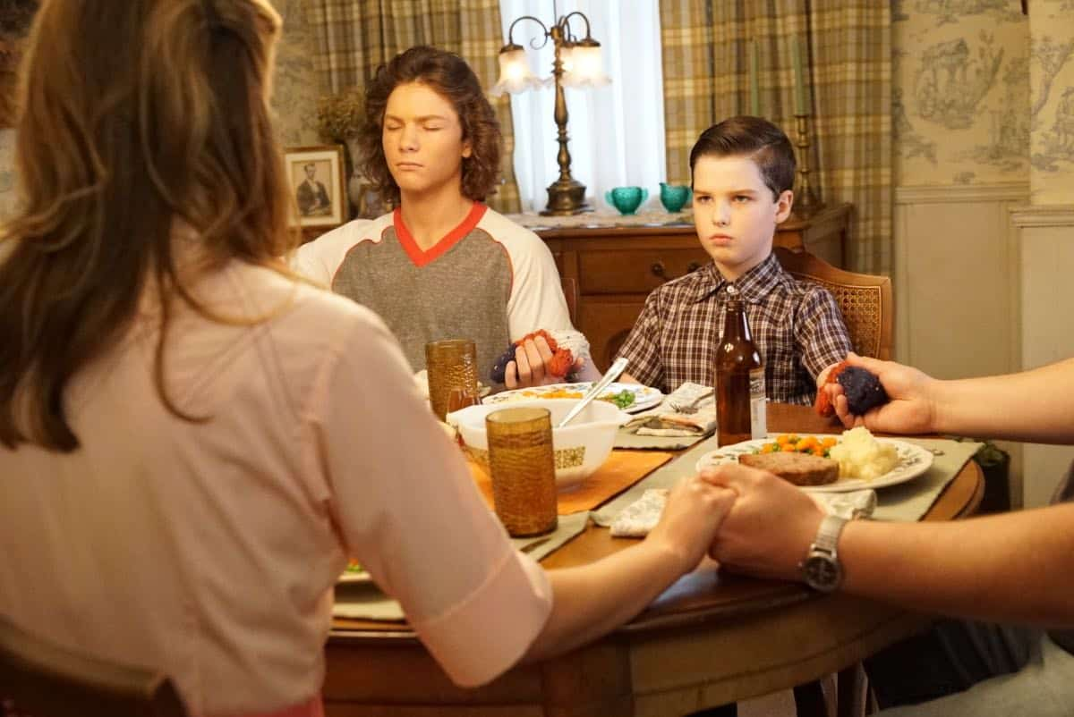 YOUNG SHELDON Season 3 Episode 1 Quirky Eggheads And Texas Snow Globes 11