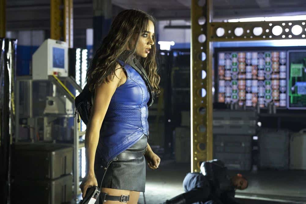 "KILLJOYS -- ""Terraformance Anxiety"" Episode 509 -- Pictured: Hannah John-Kamen as Dutch -- (Photo by: Ken Woroner/Killjoys V Productions Limited/SYFY)"