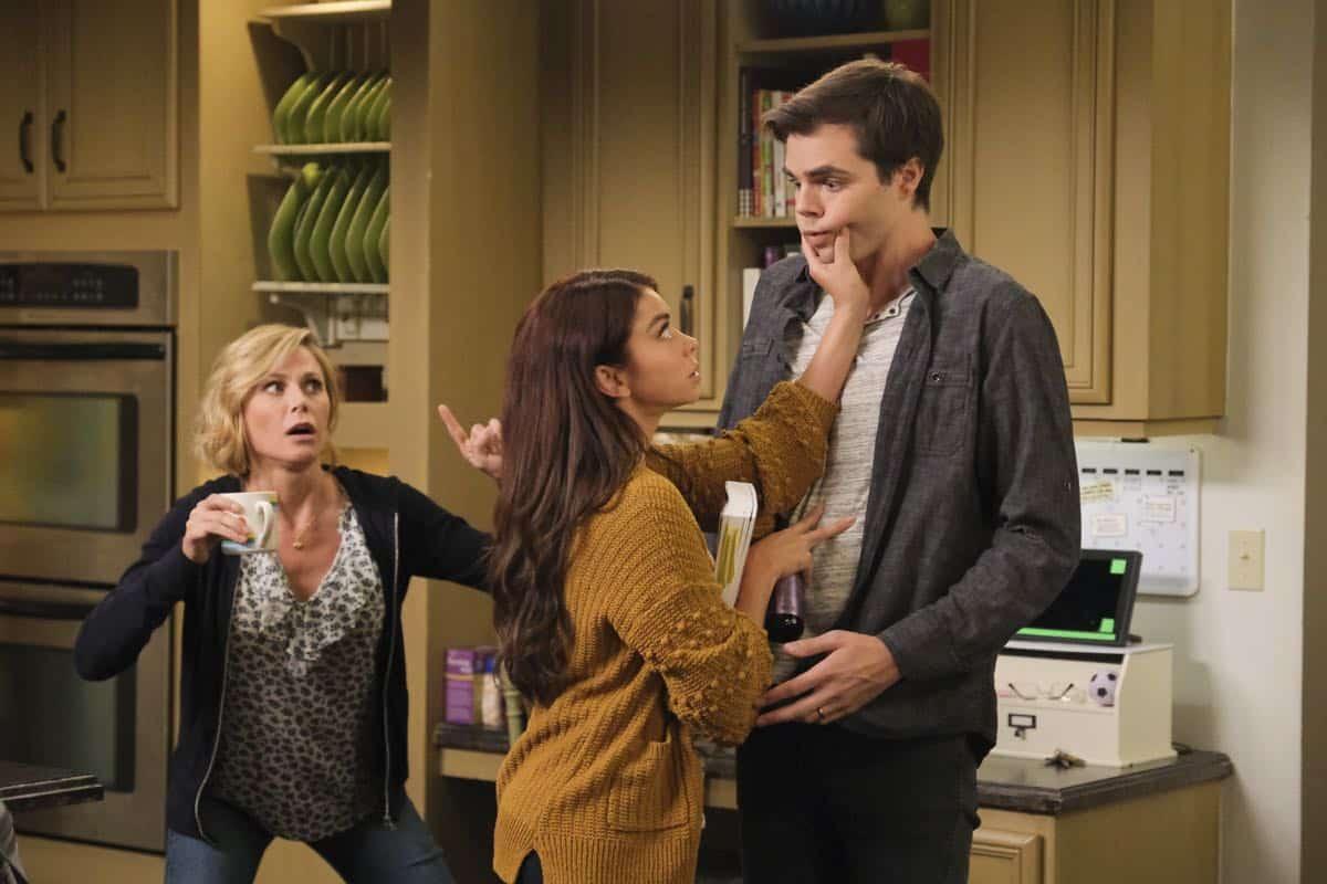 Modern Family Season 11 Episode 1 New Kids On The Block 61