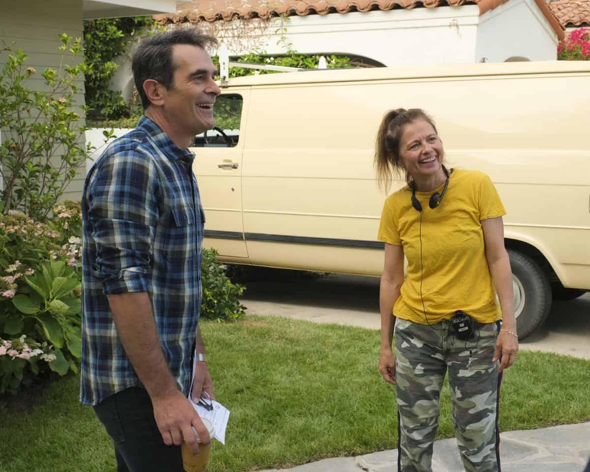 Modern Family Season 11 Episode 1 New Kids On The Block 43