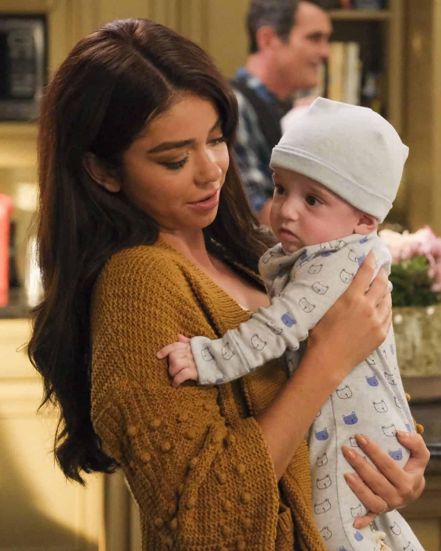 Modern Family Season 11 Episode 1 New Kids On The Block 49