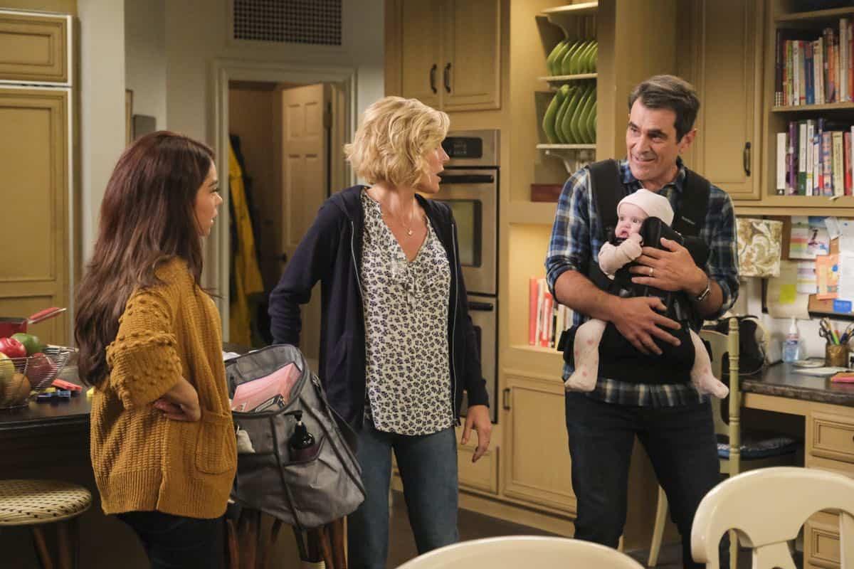 Modern Family Season 11 Episode 1 New Kids On The Block 50