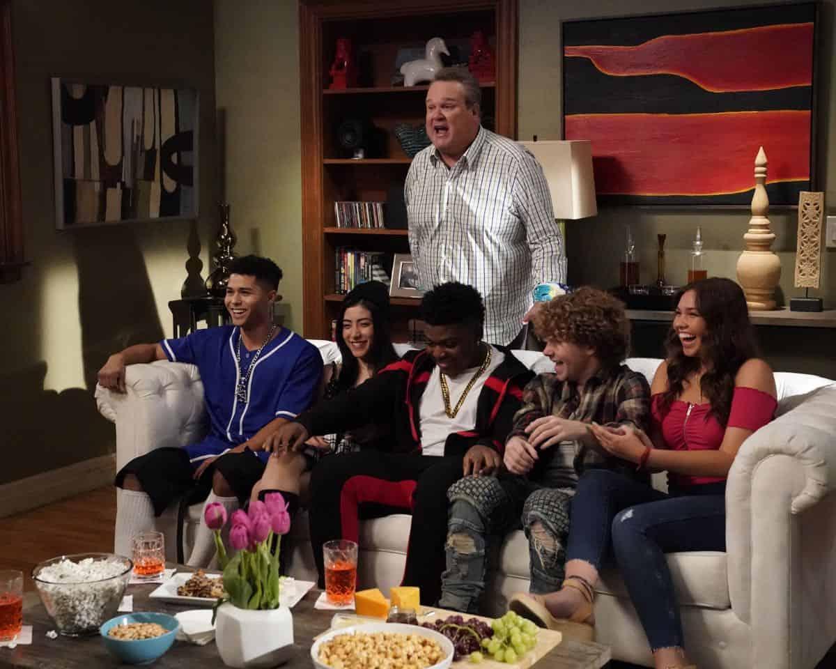 Modern Family Season 11 Episode 1 New Kids On The Block 28