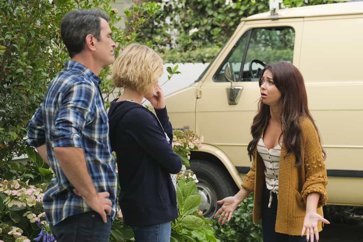 Modern Family Season 11 Episode 1 New Kids On The Block 40
