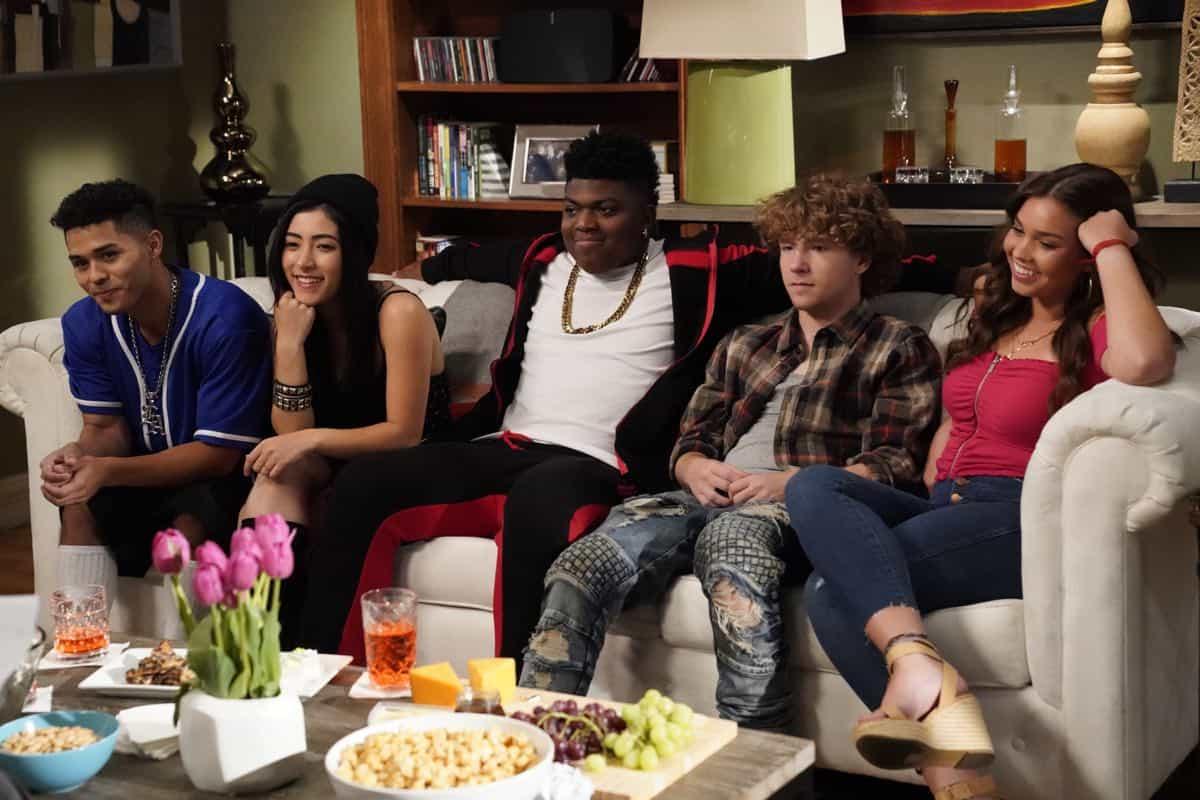 Modern Family Season 11 Episode 1 New Kids On The Block 25