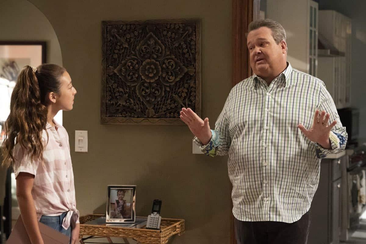 Modern Family Season 11 Episode 1 New Kids On The Block 03