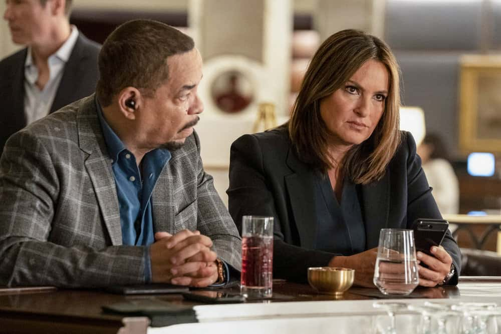 "LAW & ORDER: SPECIAL VICTIMS UNIT -- ""I'm Going to Make You a Star"" Episode 21001 -- Pictured: (l-r) Ice T as Sergeant Odafin ""Fin"" Tutuola, Mariska Hargitay as Lieutenant Olivia Benson -- (Photo by: Virginia Sherwood/NBC)"