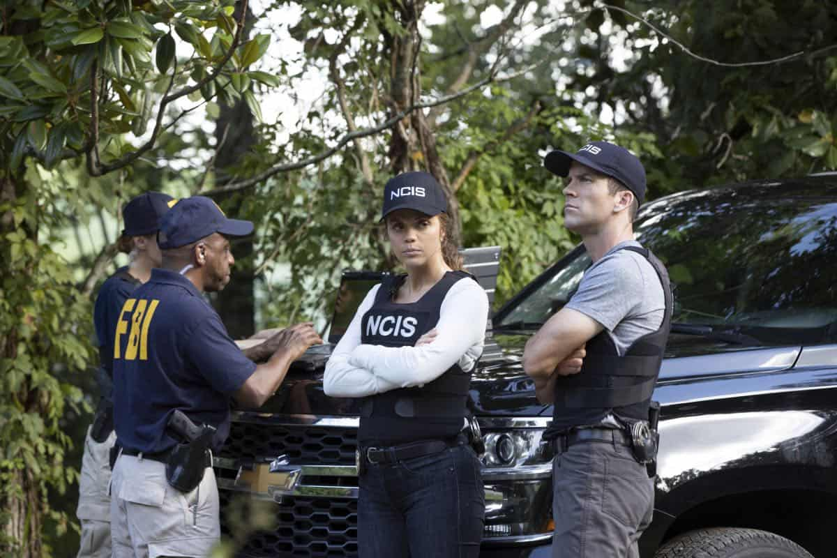 """Judgement Call"" - Pride must cut his vacation short when Hannah is suspended for breaking protocol during a joint investigation with the FBI, on the sixth season premiere of ""NCIS: NEW ORLEANS,"" Tuesday, Sept. 24 (10:00-11:00 PM, ET/PT) on the CBS Television Network. Pictured L-R: Vanessa Ferlito as FBI Special Agent Tammy Gregorio and Lucas Black as Special Agent Christopher LaSalle Photo: Sam Lothridge/CBS ©2019 CBS Broadcasting, Inc. All Rights Reserved"