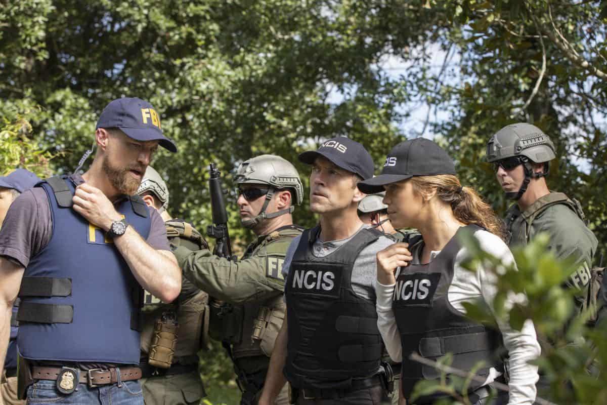 """Judgement Call"" - Pride must cut his vacation short when Hannah is suspended for breaking protocol during a joint investigation with the FBI, on the sixth season premiere of ""NCIS: NEW ORLEANS,"" Tuesday, Sept. 24 (10:00-11:00 PM, ET/PT) on the CBS Television Network. Pictured L-R: Adam David Thompson as FBI Special Agent Harper, Lucas Black as Special Agent Christopher LaSalle, and Vanessa Ferlito as FBI Special Agent Tammy Gregorio Photo: Sam Lothridge/CBS ©2019 CBS Broadcasting, Inc. All Rights Reserved"