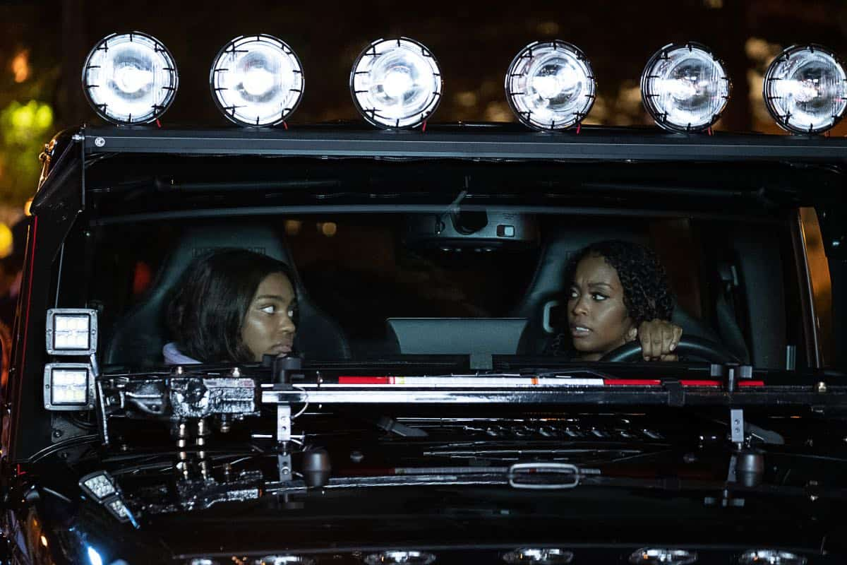 "Black Lightning -- """"The Book of Occupation: Chapter One"" -- Image BLK301a_0073r.jpg -- Pictured (L-R): China Anne McClain as Jennifer and Nafessa Williams as Anissa -- Photo: Erika Doss/The CW -- © 2019 The CW Network, LLC. All rights reserved."