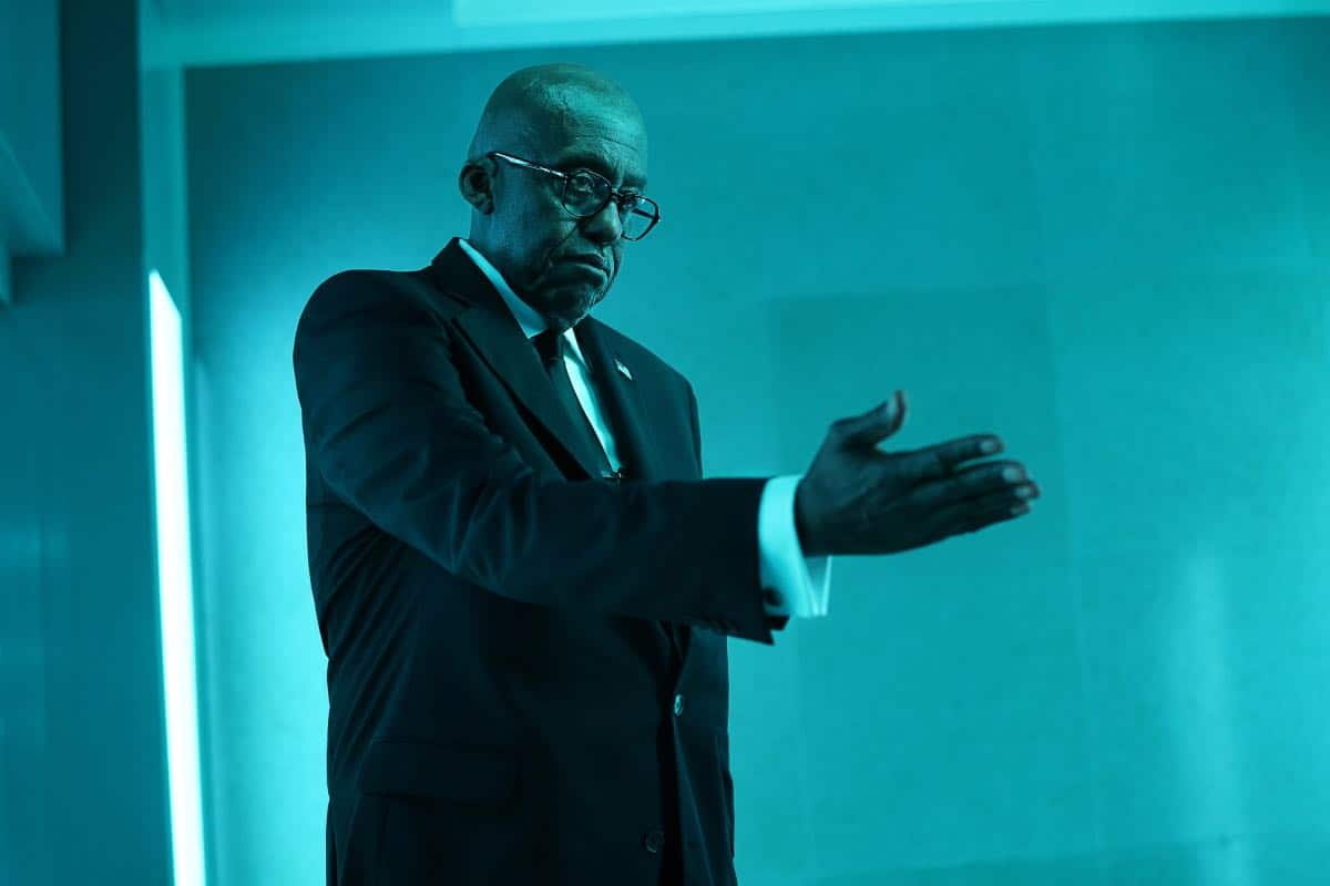 "Black Lightning -- """"The Book of Occupation: Chapter One"" -- Image BLK301b_0143r.jpg -- Pictured: Bill Duke as Agent Odell -- Photo: Quantrell Colbert/The CW -- © 2019 The CW Network, LLC. All rights reserved"