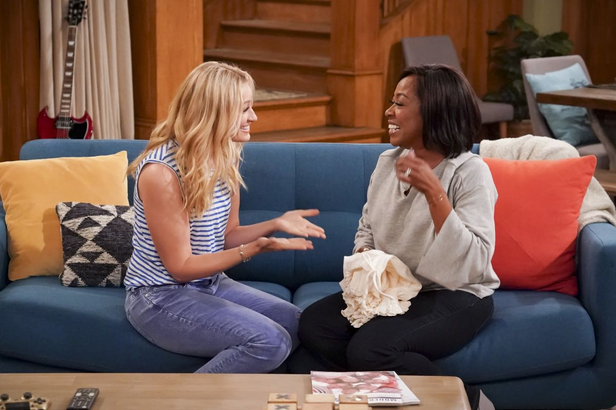 The Neighborhood Beth Behrs (Gemma Johnson) and Tichina Arnold (Tina Butler) Welcome to the Re-Rack