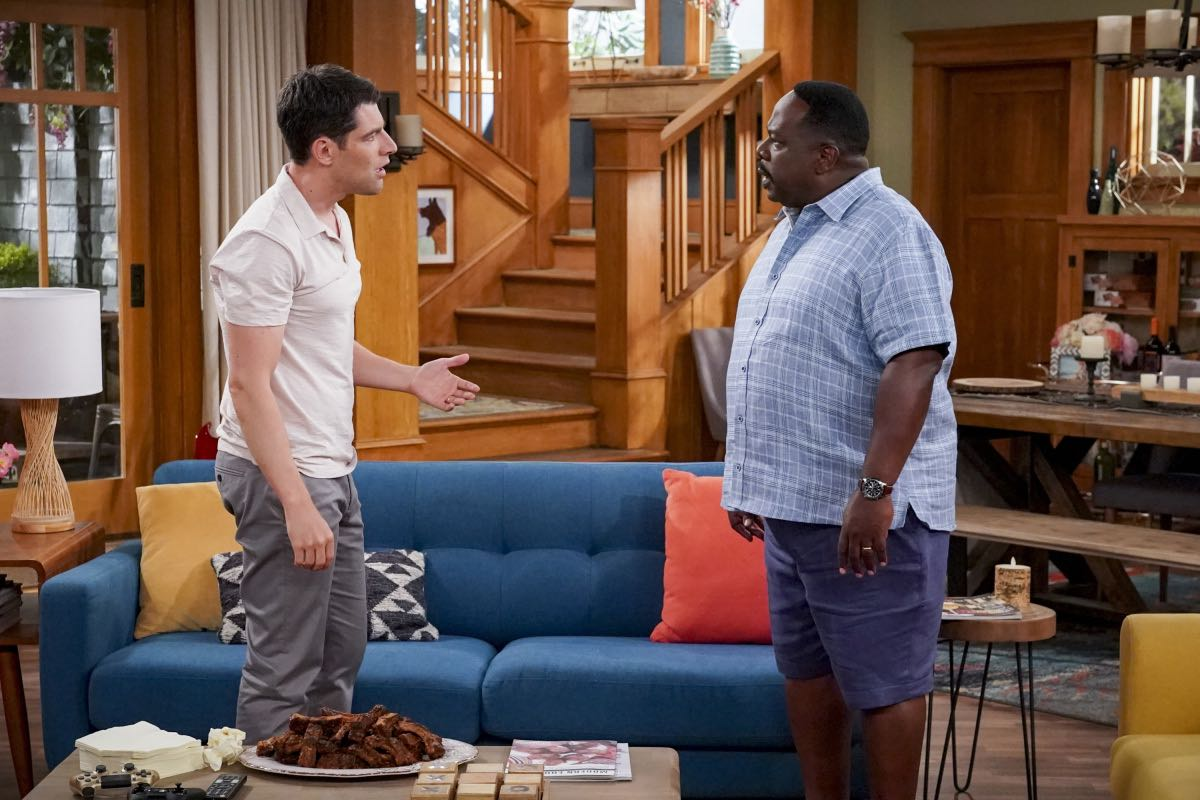 """Welcome to the Re-Rack"" - Pictured: Max Greenfield (Dave Johnson) and Cedric the Entertainer (Calvin Butler). One year after the Johnsons moved next door to the Butlers, Dave is eager to take on a bigger role in Calvin's annual Yardecue and prove how much a part of the community he's become. But Calvin's reaction makes it clear that, while the relationship between the two families has grown, the friendship between Calvin and Dave still has a way to go, on the second season premiere of THE NEIGHBORHOOD, Monday, Sept. 23 (8:00-8:30 PM, ET/PT) on the CBS Television Network. Photo: Monty Brinton/CBS ©2019 CBS Broadcasting, Inc. All Rights Reserved."