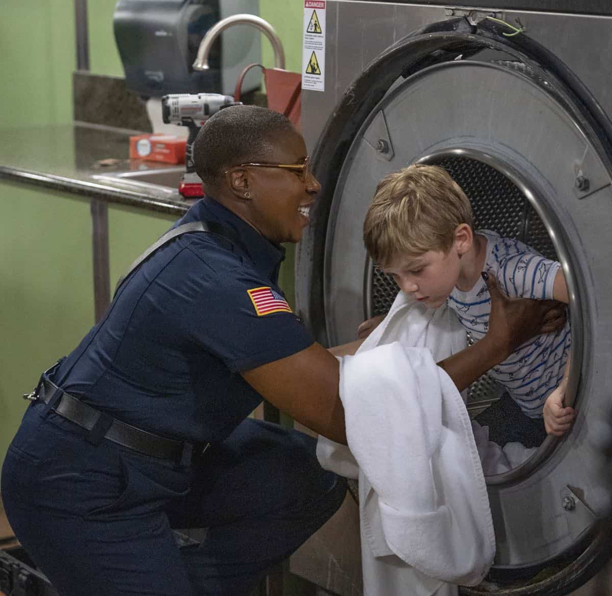 "9-1-1: L-R: Aisha Hinds and guest star Dash McCloud in the ""Kids Today"" season premiere episode of 9-1-1 airing Monday, Sep. 23 (8:00-9:00 PM ET/PT) on FOX. © 2019 FOX MEDIA LLC. CR: Jack Zeman / FOX."