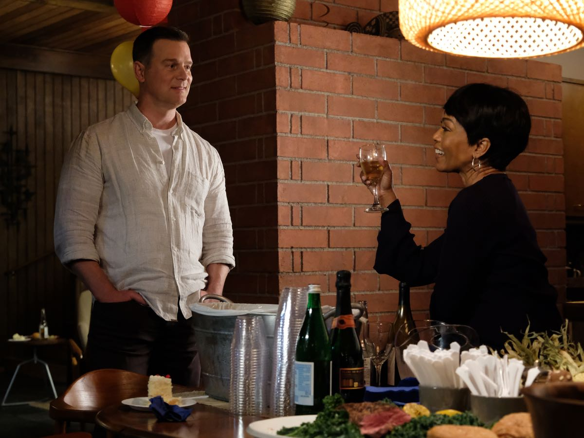 "9-1-1: L-R: Peter Krause and Angela Bassett in the ""Kids Today"" season premiere episode of 9-1-1 airing Monday, Sep. 23 (8:00-9:00 PM ET/PT) on FOX. © 2019 FOX MEDIA LLC. CR: Jack Zeman / FOX."