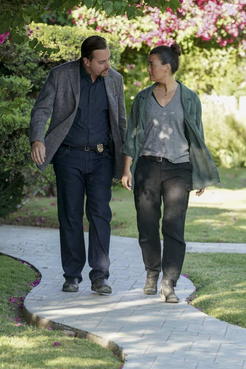 """Into the Light"" - With their lives in danger, Gibbs and Ziva's rogue investigation takes an unexpected turn when a possible terrorist plot is revealed, on NCIS, Tuesday, Oct. 1 (8:00-9:00 PM, ET/PT) on the CBS Television Network. Pictured: Sean Murray as NCIS Special Agent Timothy McGee, Cote de Pablo as Ziva David. Photo: Michael Yarish/CBS ©2019 CBS Broadcasting, Inc. All Rights Reserved"