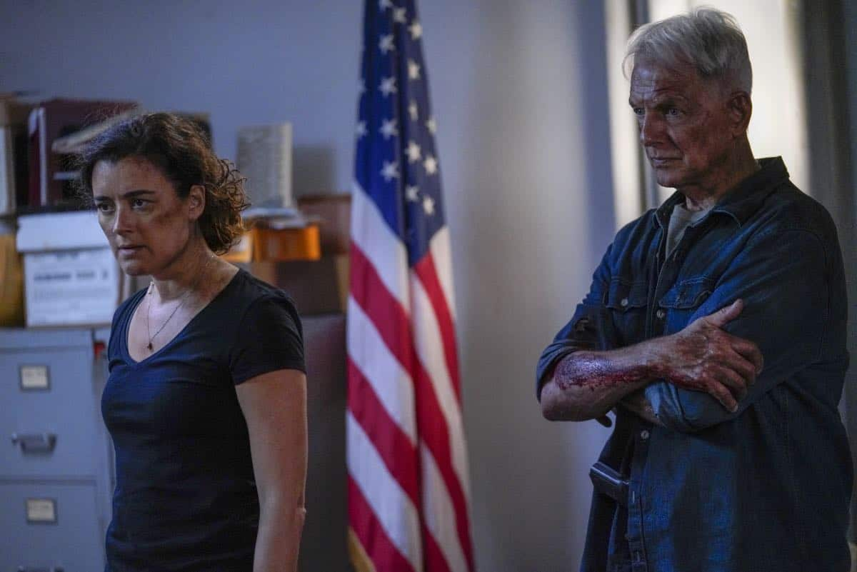 """Into the Light"" - With their lives in danger, Gibbs and Ziva's rogue investigation takes an unexpected turn when a possible terrorist plot is revealed, on NCIS, Tuesday, Oct. 1 (8:00-9:00 PM, ET/PT) on the CBS Television Network. Pictured: Cote de Pablo as Ziva David, Mark Harmon as Special Agent Leroy Jethro Gibbs. Photo: Cliff Lipson/CBS ©2019 CBS Broadcasting, Inc. All Rights Reserved"