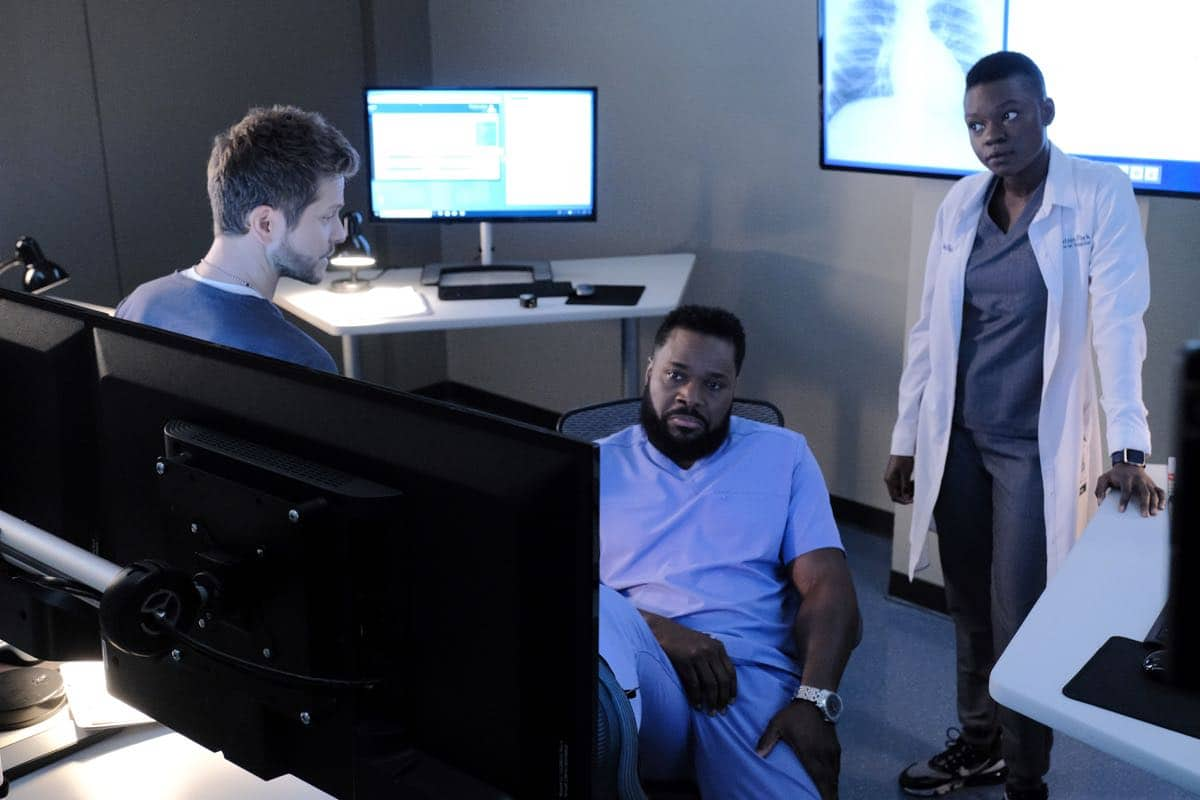 "THE RESIDENT Season 3 Episode 2 : L-R: Matt Czuchry, Malcolm-Jamal Warner and Shaunette Renée Wilson in the ""Flesh of My Flesh"" episode of THE RESIDENT airing Tuesday, Oct. 1 (8:00-9:00 PM ET/PT) on FOX. ©2019 Fox Media LLC Cr: Guy D'Alema/FOX"