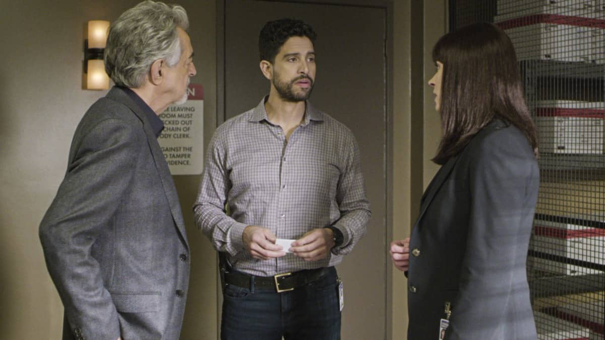 """Spectator Slowing"" -- The BAU team investigates a series of seemingly random fatal explosions throughout Kentucky and Tennessee, on CRIMINAL MINDS, Wednesday, Jan. 15 (9:00-10:00 PM, ET/PT) on the CBS Television Network.  Pictured (L-R): Joe Mantegna as David Rossi, Adam Rodriguez as Luke Alvez, and Paget Brewster as Emily Prentiss  Photo: Screen Grab/CBS ©2019 CBS Broadcasting Inc. All Rights Reserved."