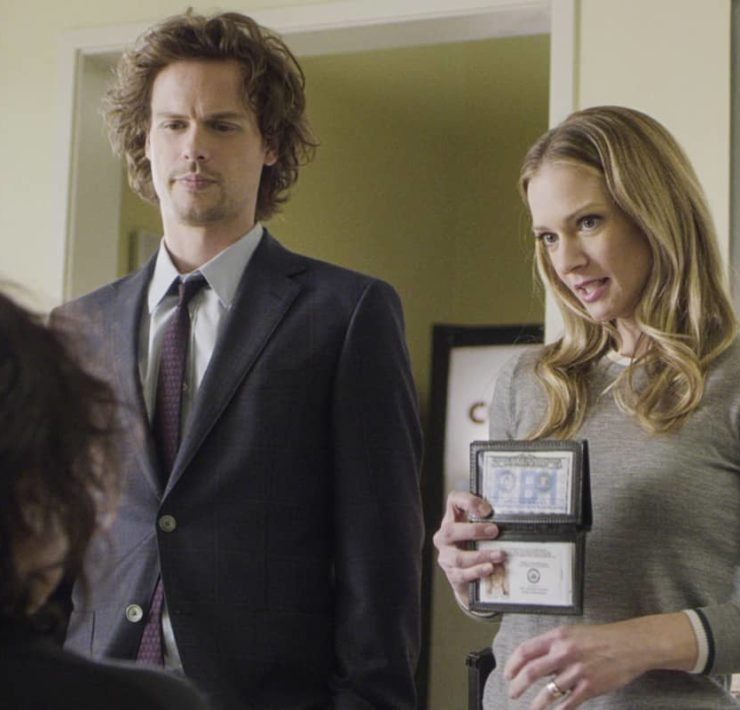 """Spectator Slowing"" -- The BAU team investigates a series of seemingly random fatal explosions throughout Kentucky and Tennessee, on CRIMINAL MINDS, Wednesday, Jan. 15 (9:00-10:00 PM, ET/PT) on the CBS Television Network. Pictured (L-R): Matthew Gray Gubler as Dr. Spencer Reid and A.J. Cook as Jennifer ""JJ"" Jareau Photo: Screen Grab/CBS ©2019 CBS Broadcasting Inc. All Rights Reserved."