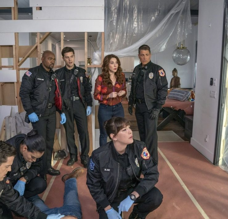 "911 LONE STAR Season 1 Episode 7 9-1-1: LONE STAR: L-R: Guest star Mark Elias, guest star Brianna Baker, Brian Michael Smith, Ronen Rubinstein, guest star Erin Karpluk, Liv Tyler and Rob Lowe in the ""Bum Steer"" episode of 9-1-1: LONE STAR airing Monday, Feb. 24 (8:00-9:01 PM ET/PT) on FOX. ©2020 Fox Media LLC. CR: Jack Zeman/FOX."