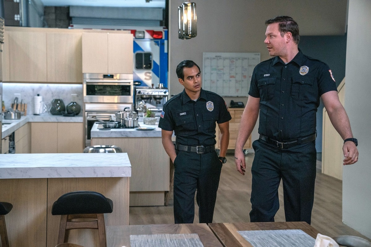 "9-1-1: LONE STAR: L-R: Julian Works and Jim Parrack in the ""Bum Steer"" episode of 9-1-1: LONE STAR airing Monday, Feb. 24 (8:00-9:01 PM ET/PT) on FOX. ©2020 Fox Media LLC. CR: Jack Zeman/FOX."
