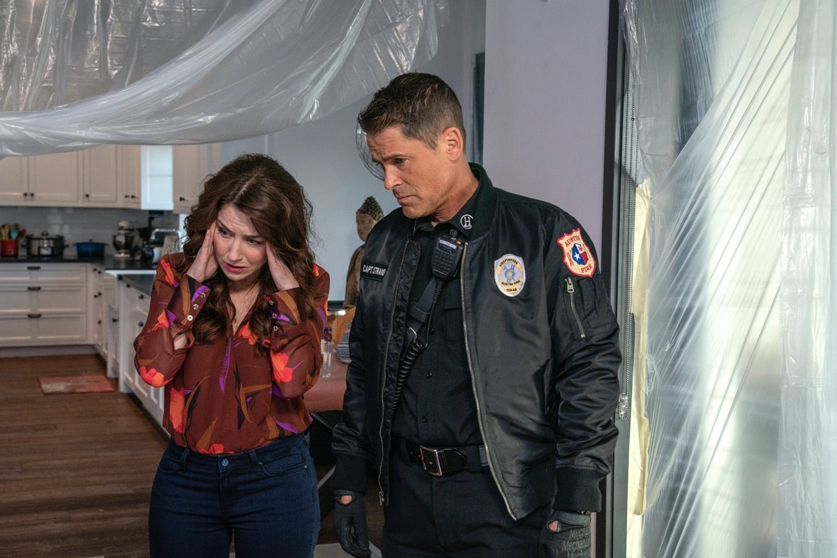 "9-1-1: LONE STAR: L-R: Guest star Erin Karpluk and Rob Lowe in the ""Bum Steer"" episode of 9-1-1: LONE STAR airing Monday, Feb. 24 (8:00-9:01 PM ET/PT) on FOX. ©2020 Fox Media LLC. CR: Jack Zeman/FOX."