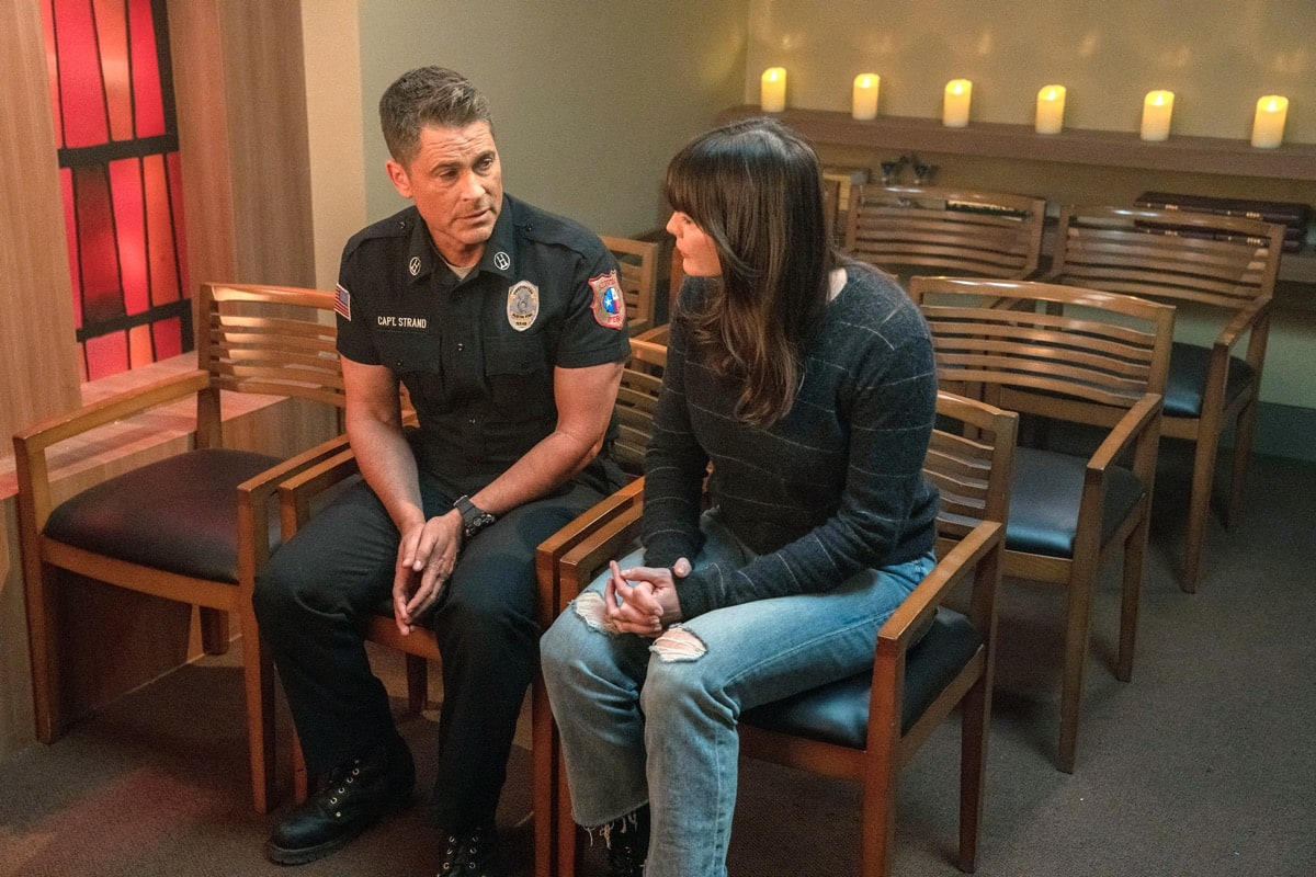 """9-1-1: LONE STAR: L-R: Rob Lowe and Liv Tyler in the """"Monster Inside"""" episode of 9-1-1: LONE STAR airing Monday, March 2 (8:00-9:01 PM ET/PT) on FOX. ©2020 Fox Media LLC. CR: Jack Zeman/FOX."""