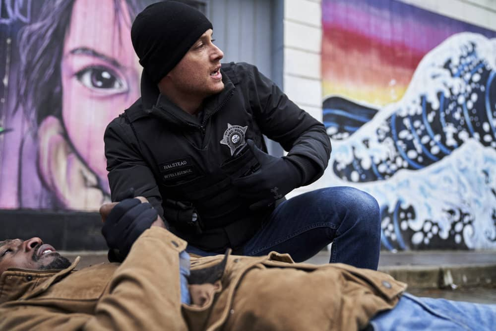 "CHICAGO P.D. -- ""Intimate Violence"" Episode 716 -- Pictured: Jesse Lee Soffer as Jay Halstead -- (Photo by: Parrish Lewis/NBC)"