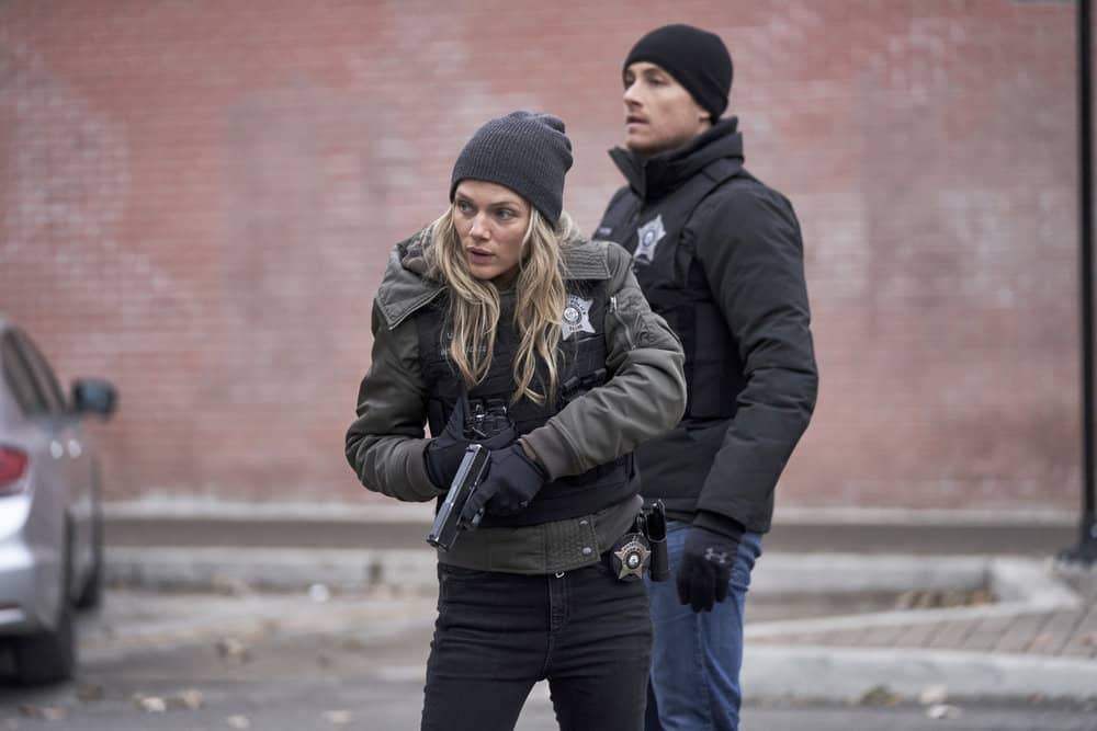 "CHICAGO P.D. -- ""Intimate Violence"" Episode 716 -- Pictured: (l-r) Tracy Spiridakos as Hailey Upton, Jesse Lee Soffer as Jay Halstead -- (Photo by: Parrish Lewis/NBC)"