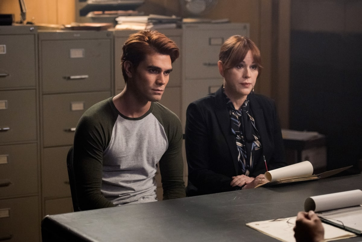 "Riverdale -- ""Chapter Seventy-Two: To Die For"" -- Image Number: RVD414b_0240b.jpg -- Pictured (L-R): KJ Apa as Archie and Molly Ringwald as Mary -- Photo: Dean Buscher/The CW -- © 2020 The CW Network, LLC. All Rights Reserved."