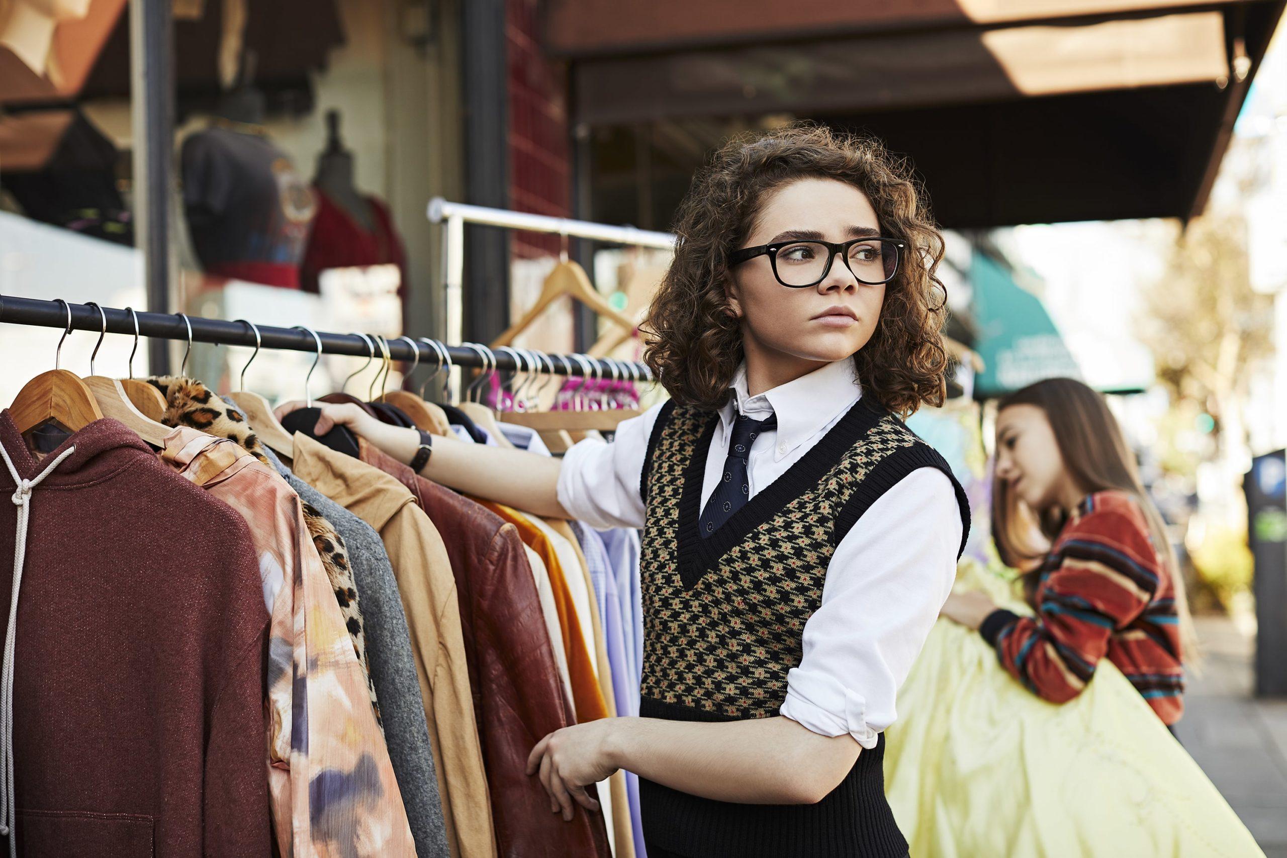 BETTER THINGS -- Pictured: Hannah Alligood as Frankie. CR: Pamela Littky/FX
