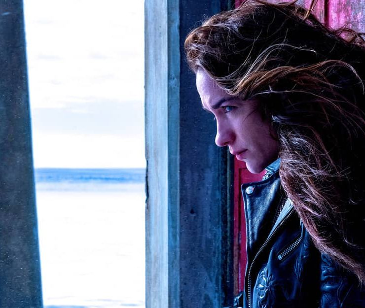 "WYNONNA EARP -- ""Friends In Low Places"" Episode 402 -- Pictured: Melanie Scrofano as Wynonna Earp -- (Photo by: Michelle Faye/Wynonna Earp Productions, Inc./SYFY)"