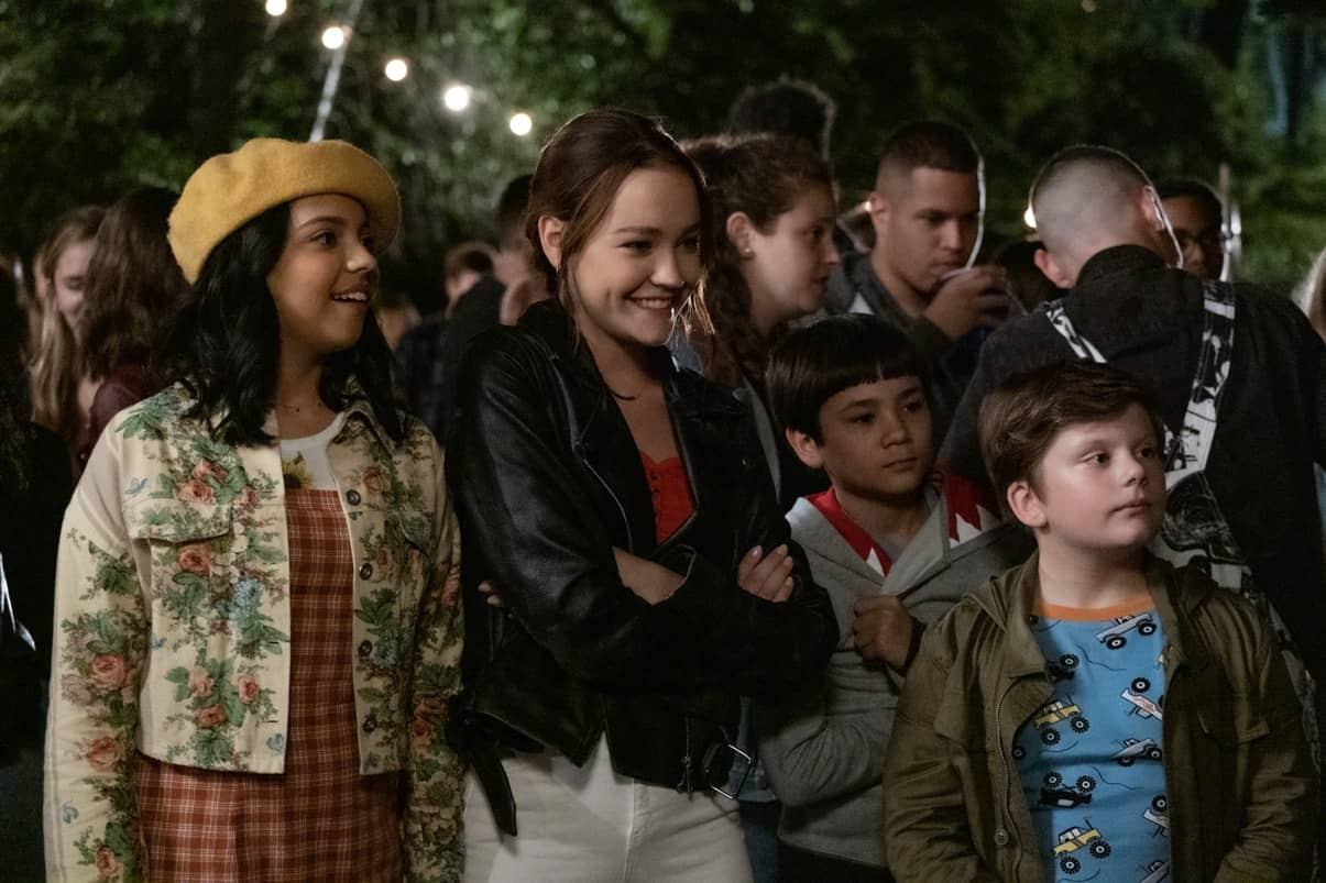THE SLEEPOVER: (L to R) CREE CICCHINO as MIM, SADIE STANLEY as CLANCY, LUCAS JAYE as LEWIS, MAXWELL SIMKINS as KEVIN. Cr. CLAIRE FOLGER/NETFLIX © 2020