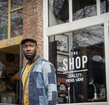 """Woke -- """"Rhymes with Broke"""" - Episode 101 -- When up-and-coming cartoonist Keef Knight has a traumatic run-in with the police, he begins to see the world in an entirely new way. Keef (Lamorne Morris), shown. (Photo by: Joe Lederer/Hulu)"""
