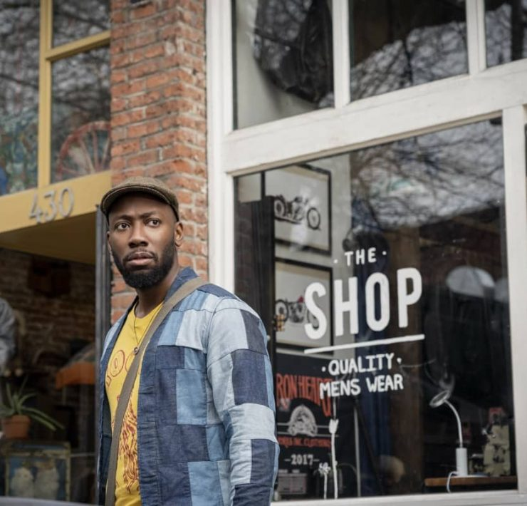 "Woke -- ""Rhymes with Broke"" - Episode 101 -- When up-and-coming cartoonist Keef Knight has a traumatic run-in with the police, he begins to see the world in an entirely new way. Keef (Lamorne Morris), shown. (Photo by: Joe Lederer/Hulu)"