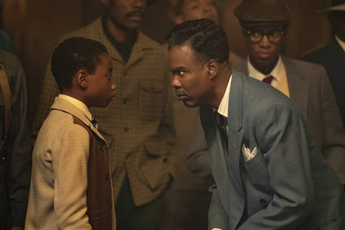 """FARGO -- """"Welcome to the Alternate Economy"""" - Year 4, Episode 1 (Airs September 27) Pictured: Rodney Jones as Satchel Cannon, Chris Rock as Loy Cannon. CR: Elizabeth Morris/FX"""