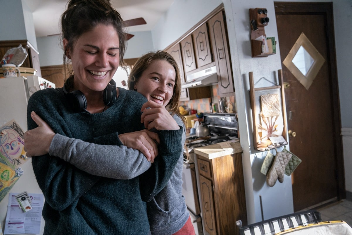 "Monsterland -- ""Port Fourchon, LA"" - Episode 101 -- A down-and-out waitress questions her choices. Director Anne Sewitsky and Toni (Kaitlyn Dever), shown. (Photo by: Barbara Nitke/Hulu)"