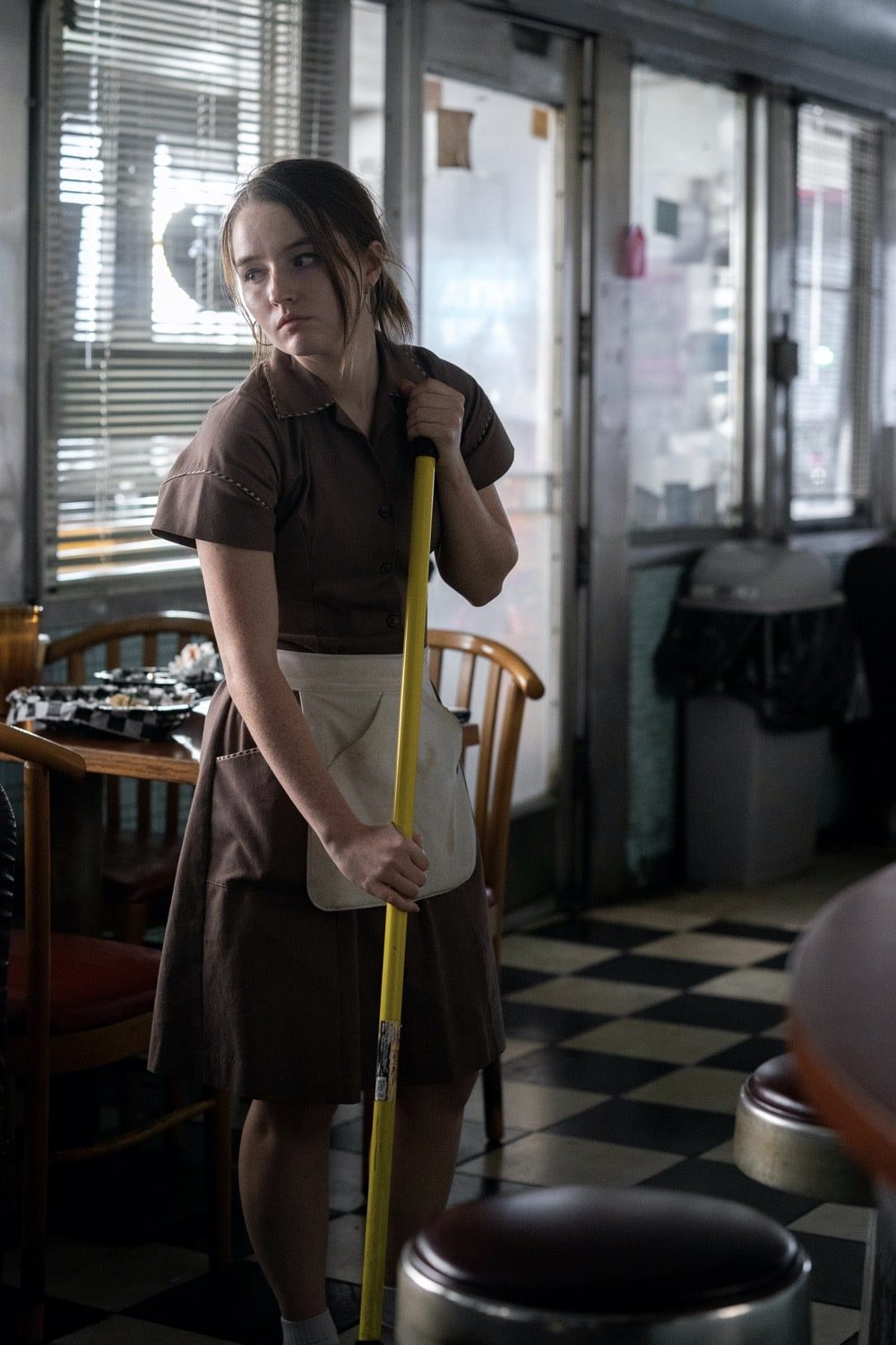 "Monsterland -- ""Port Fourchon, LA"" - Episode 101 -- A down-and-out waitress questions her choices. Toni (Kaitlyn Dever), shown. (Photo by: Barbara Nitke/Hulu)"