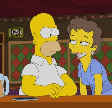 "THE SIMPSONS: When Marge and the kids take a seaside vacation, Homer is unwittingly tempted by a British femme fatale in the ""The 7 Beer Itch"" episode of THE SIMPSONS airing Sunday, Nov. 8 (8:00-8:31 PM ET/PT) on FOX. Guest voice Olivia Colman. THE SIMPSONS © 2020 by Twentieth Century Fox Film Corporation."