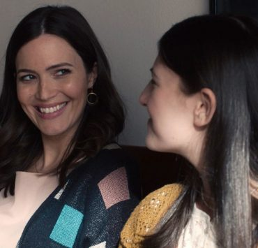"THIS IS US -- ""Changes"" Episode 503 -- Pictured in this screengrab: (l-r) Mandy Moore as Rebecca, Mackenzie Hancsicsak as Kate -- (Photo by: NBC)"